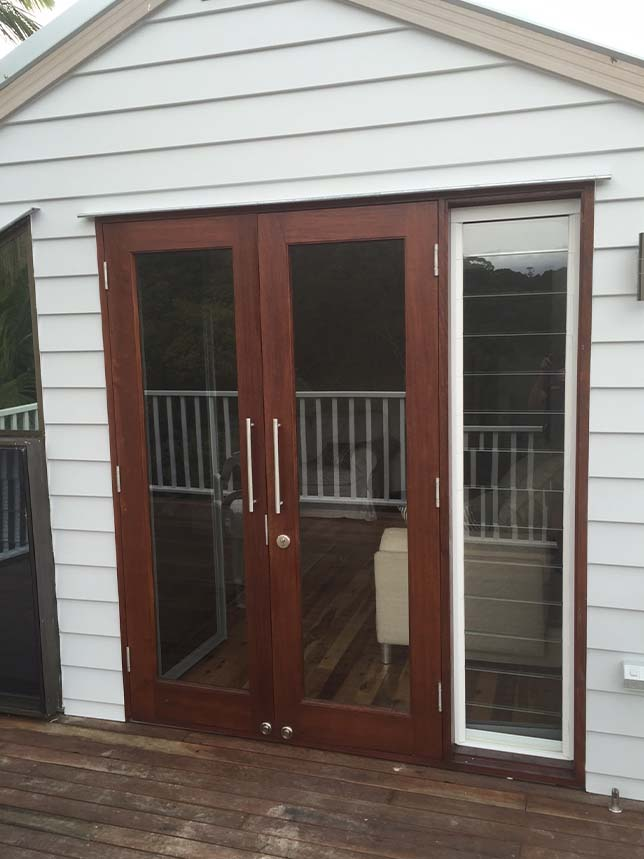 Bifold Doors Sunshine Coast Axis Glass Frameless Fixed